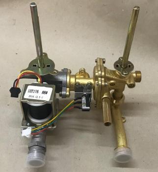 Блок газового и водяного редуктора в сборе для дымоходной колонки